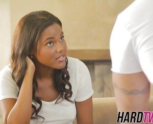 Lovely ebony babe Yara Skye is