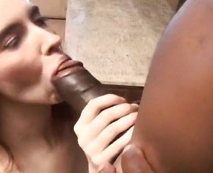 Mia Knight Takes Big Sloppy Facial