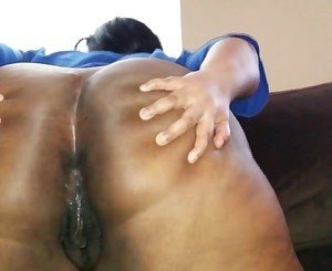 BBW twerking fat ass flashing ass